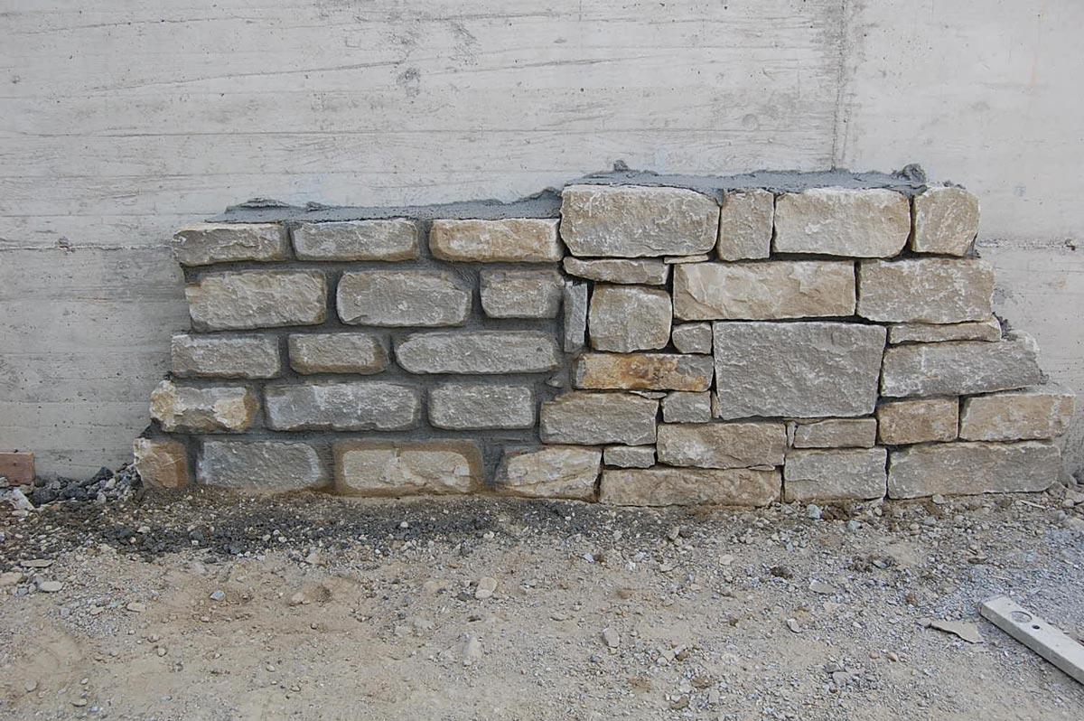 Materiali in pietra cuneo vendita caminetti in pietra for Pietre da giardino