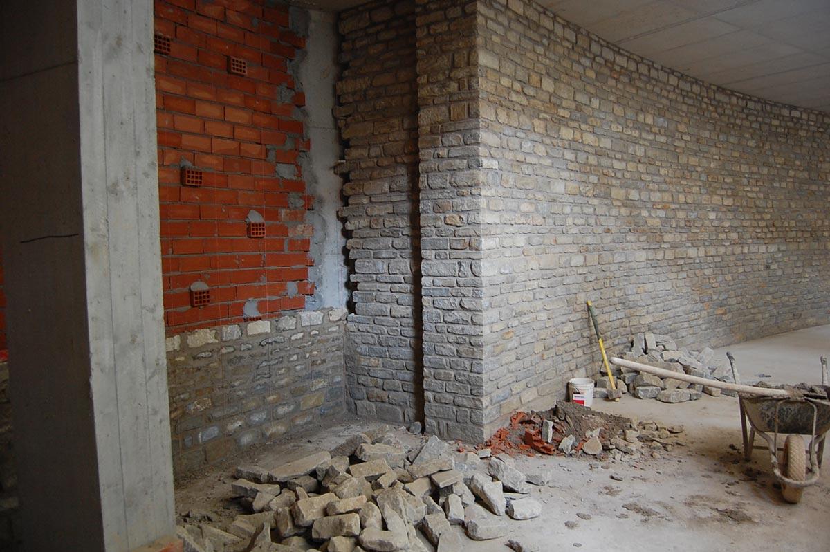 Rivestimenti con pietre antiche per interni - Pietre per interno casa ...