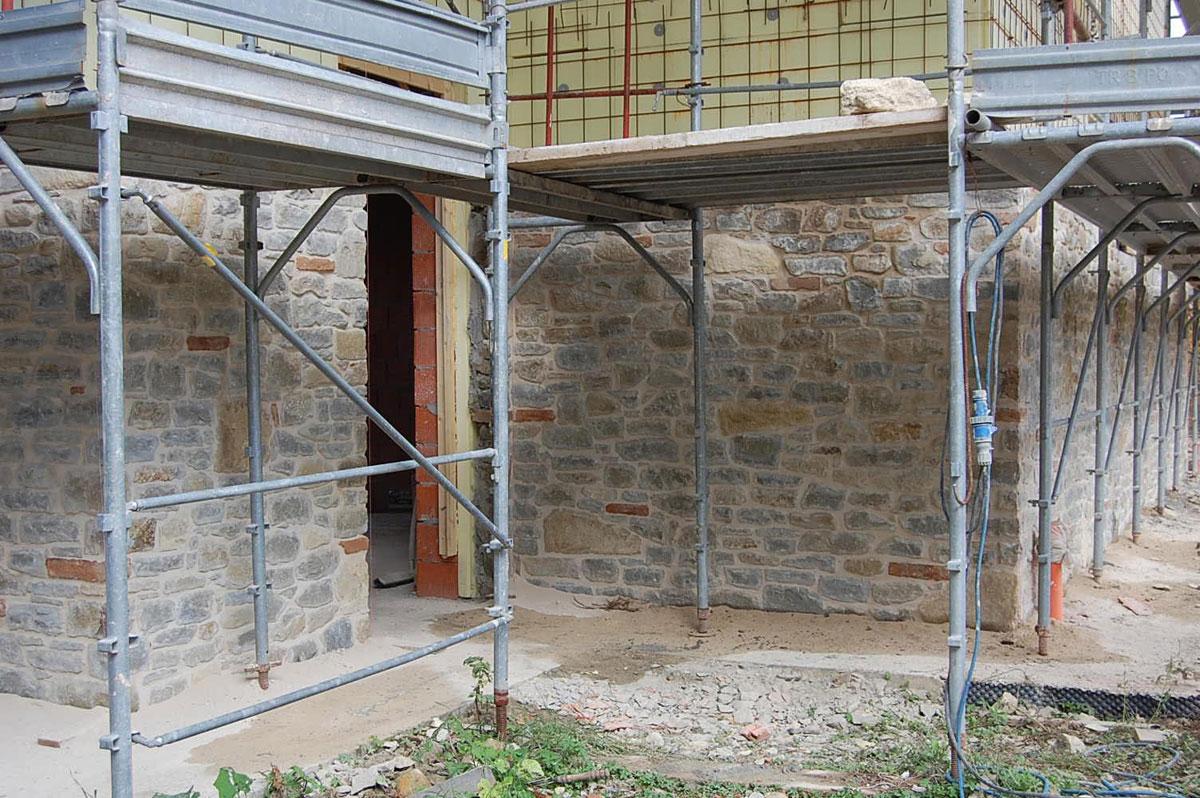 Vendita Pietre Da Giardino : Materiali in pietra cuneo vendita caminetti in pietra pietre da