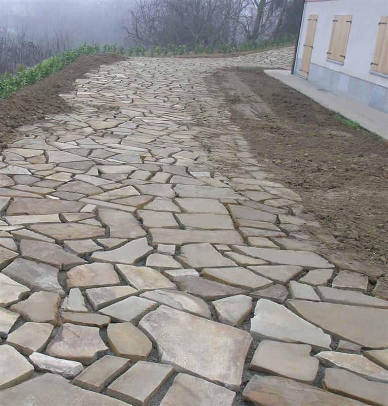 Crazy paving in Natural Braun Stone n°2