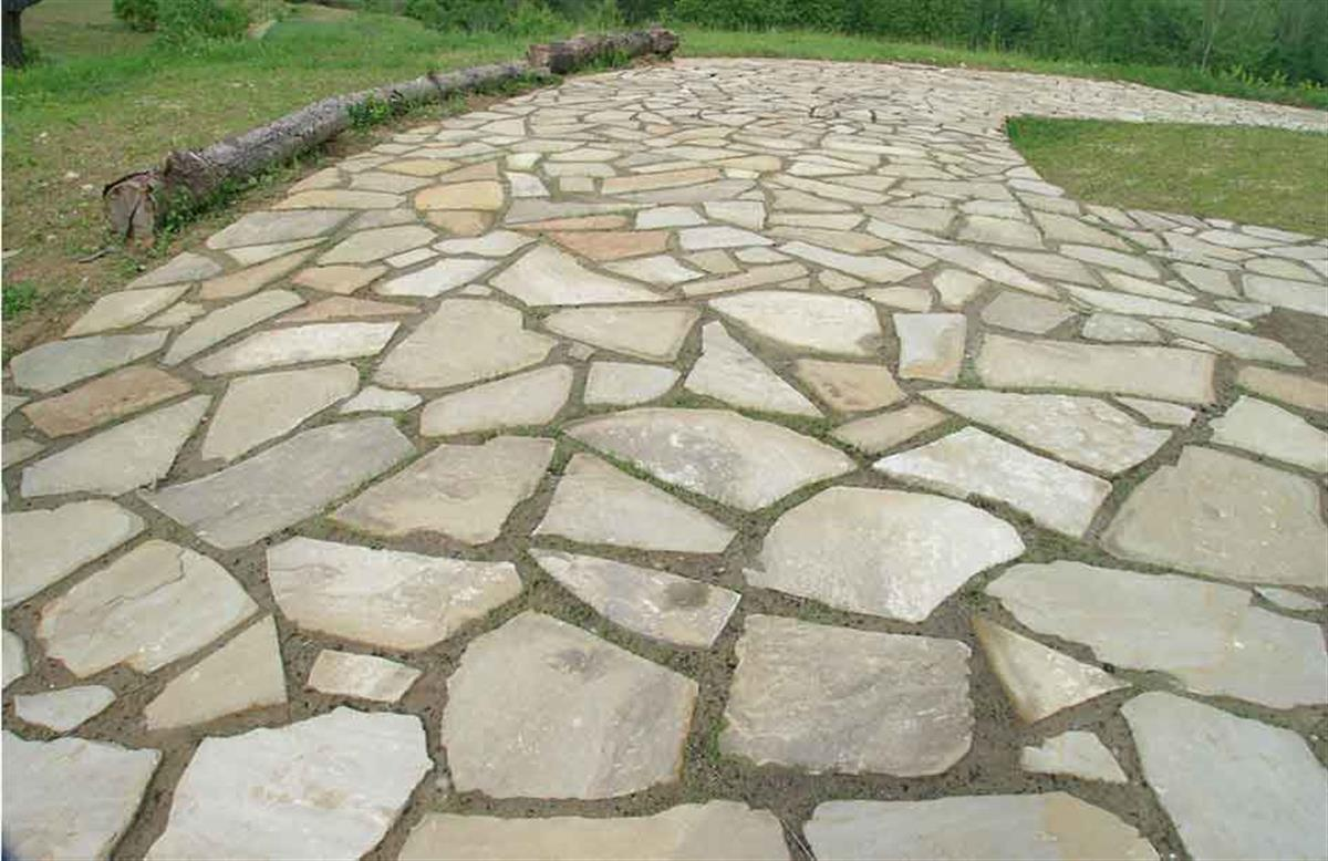 Crazy paving in Natural Braun Stone n°3