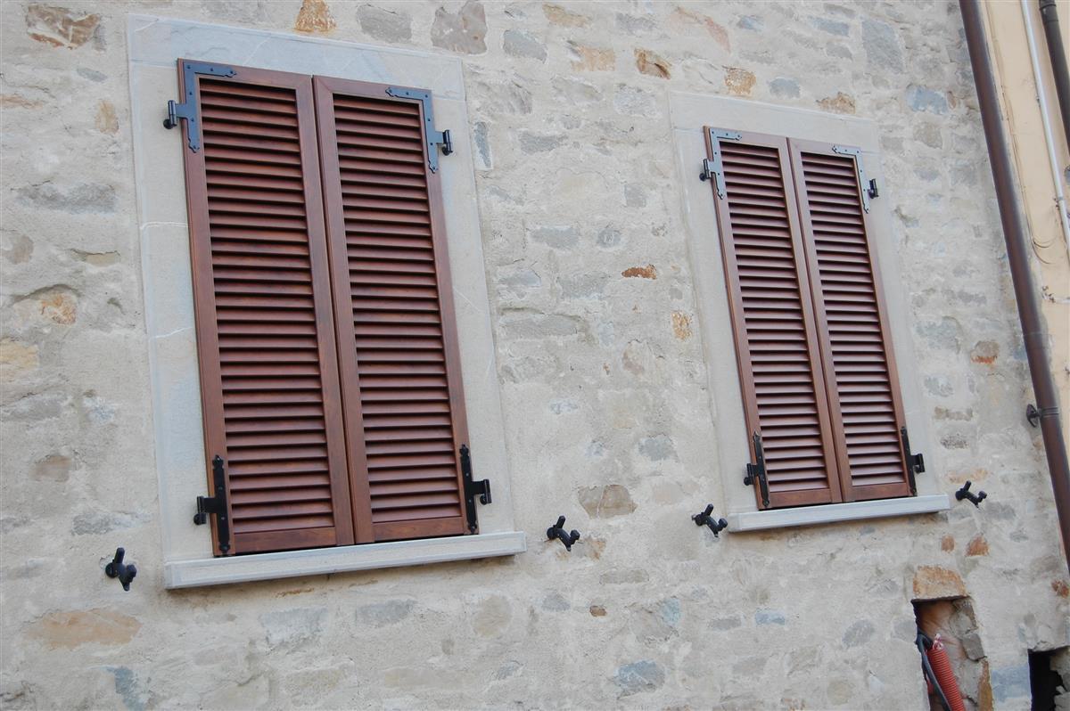 Murature in pietra di langa muri in pietre di langa realizzazione muri in pietra piemonte - Pietra per soglie finestre ...