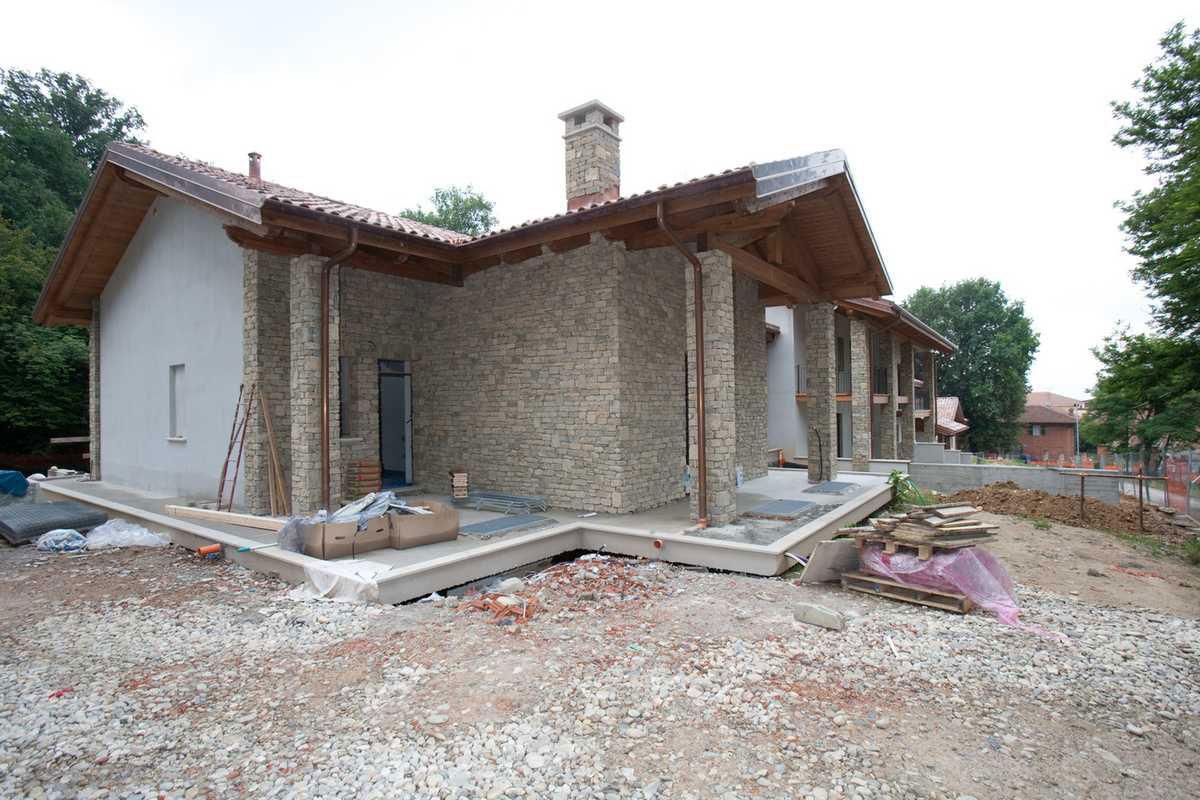 Casa in pietra di langa n 21 for Case di pietra davanti