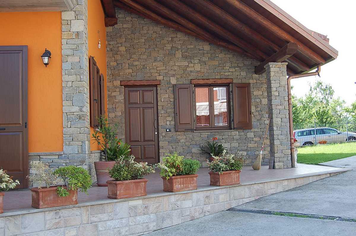 Soggiorni rustici in pietra idee per il design della casa - Interni rustici ...