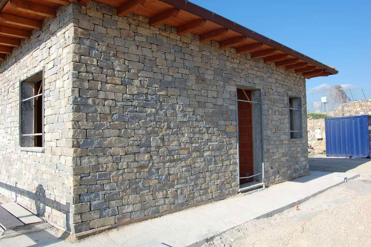 Casa in pietra di langa n 78 for Case di pietra davanti