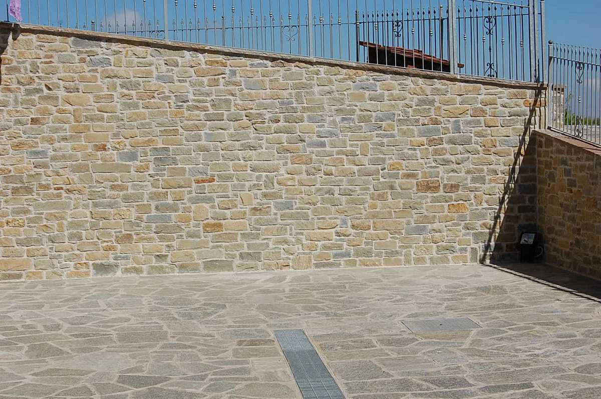 muro in pietra di langa n u00b033