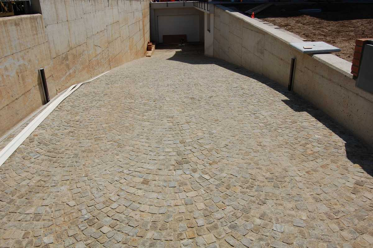 Muri di pietra interni natural stone house n with muri di - Pietre decorative per interni ...