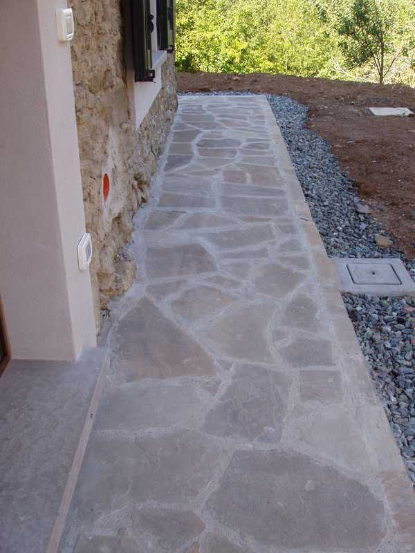 Crazy paving in Natural Braun Stone n°12
