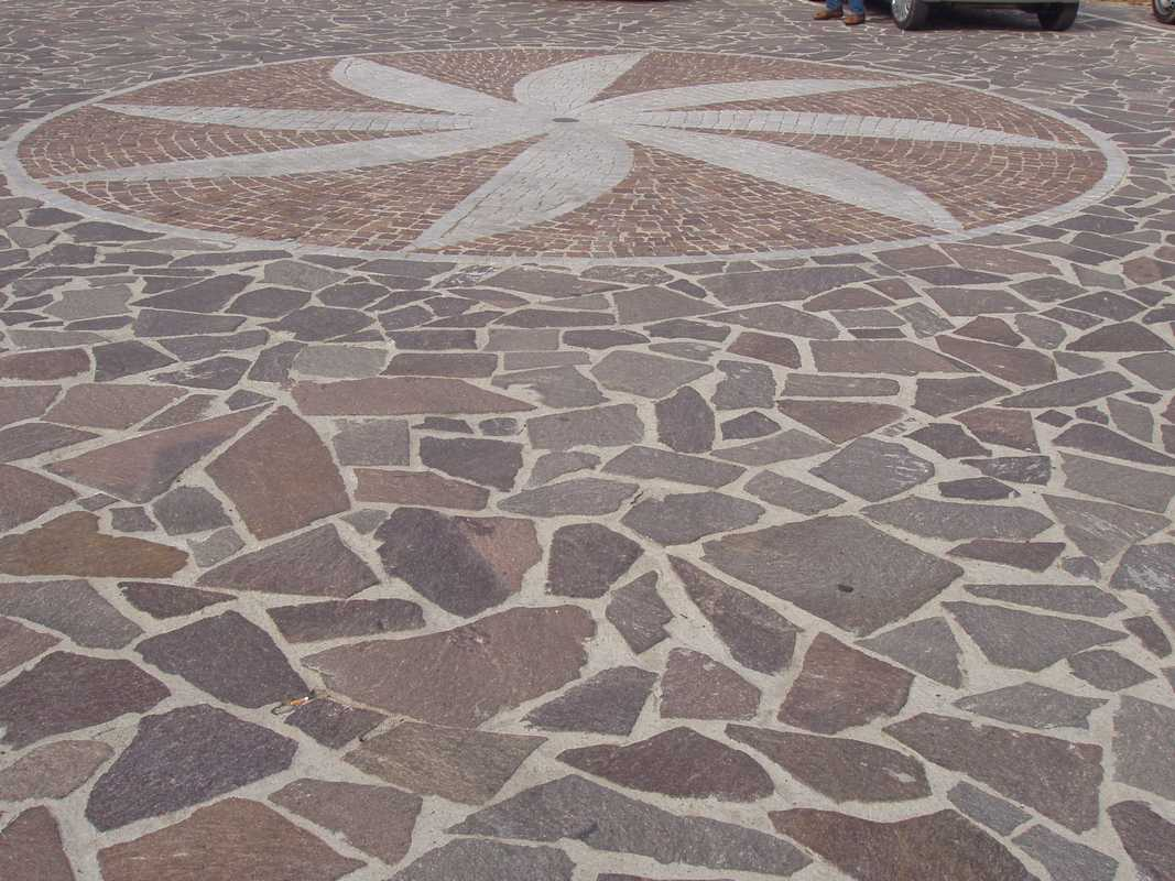 Crazy paving in Natural Porphyry n°8