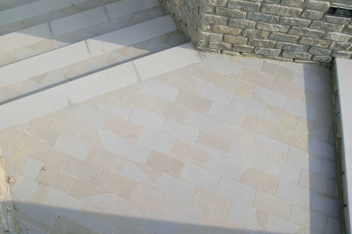 Murature in pietra di langa muri in pietre di langa - Piastrelle tipo veneziana ...