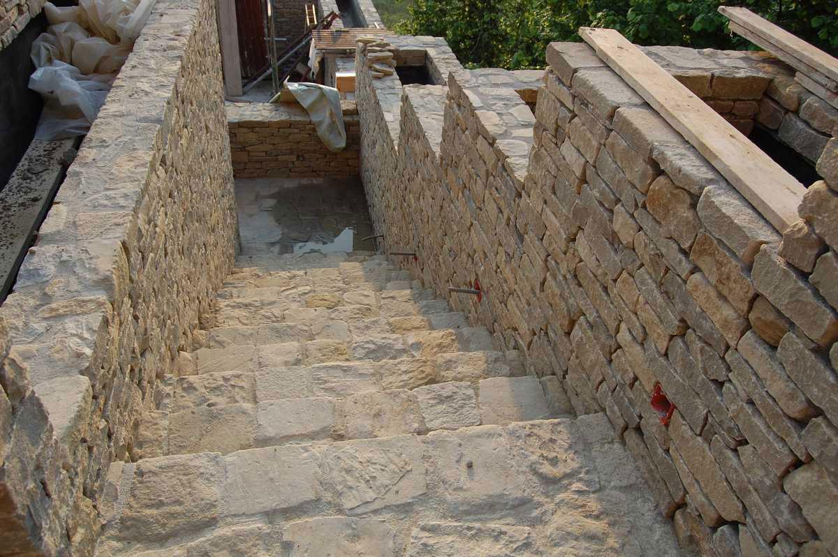 Murature in pietra di langa muri in pietre di langa - Giardino con pietre ...