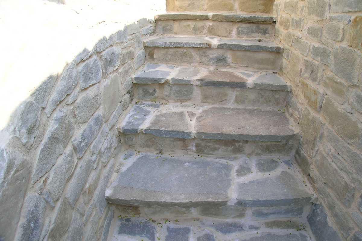 Vasca doccia combinata - Muri interni in pietra ...